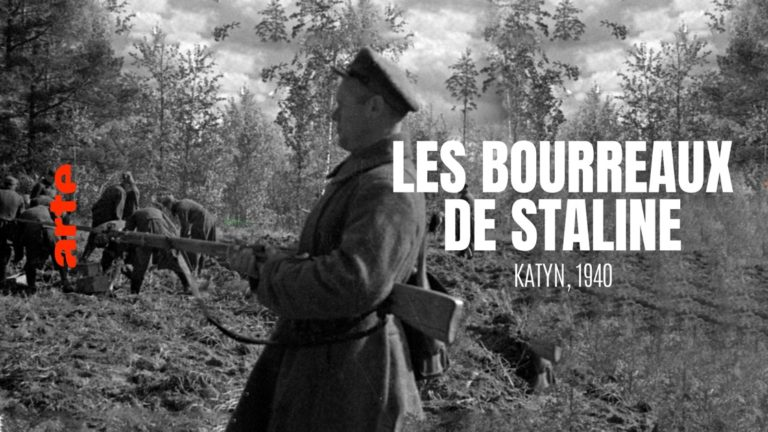 "Documentaliste : Pauline Kerleroux <br><a href=""https://www.arte.tv/fr/videos/087406-000-A/les-bourreaux-de-staline-katyn-1940"" target=""_blank"" rel=""noopener noreferrer"">© La Générale de Production </a>"
